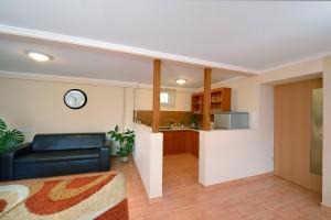 Apartman 2 - Nappali-étkező-konyha